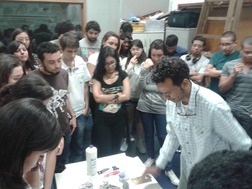Oficina de cenografia e direção de arte aconteceu na Semana de Comunicação da Fapcom, no estúdio de televisão da faculdade