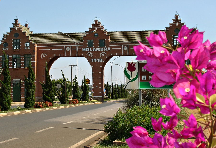 Entrada-da-Cidade-de-Holambra-SP